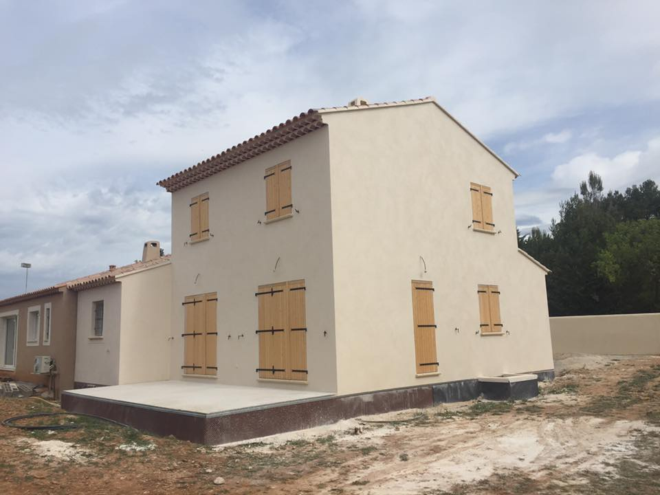 Villa traditionnelle à 84360 Lauris