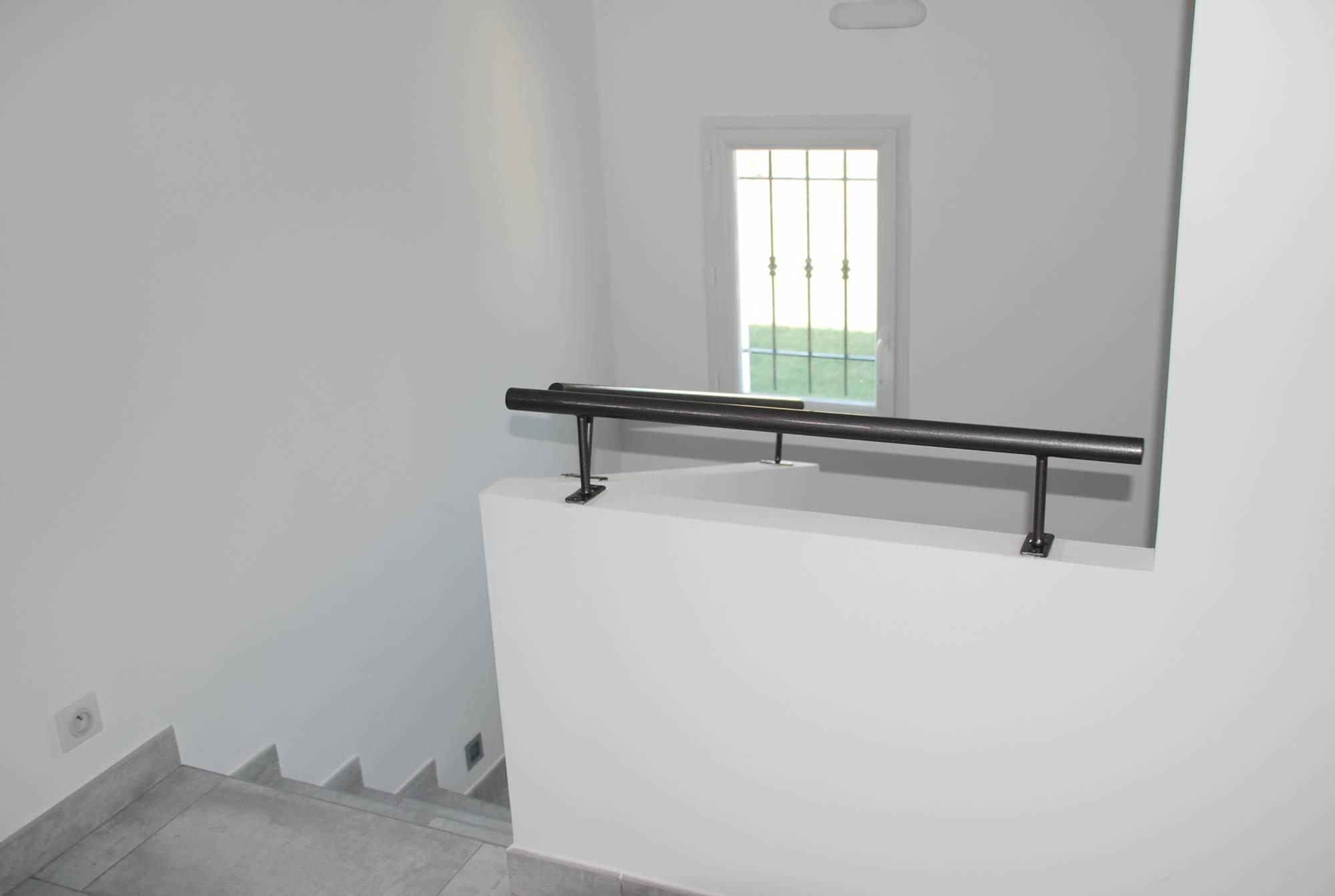 r alisation d 39 une villa moderne salon de provence en 2012 azur logement proven al. Black Bedroom Furniture Sets. Home Design Ideas