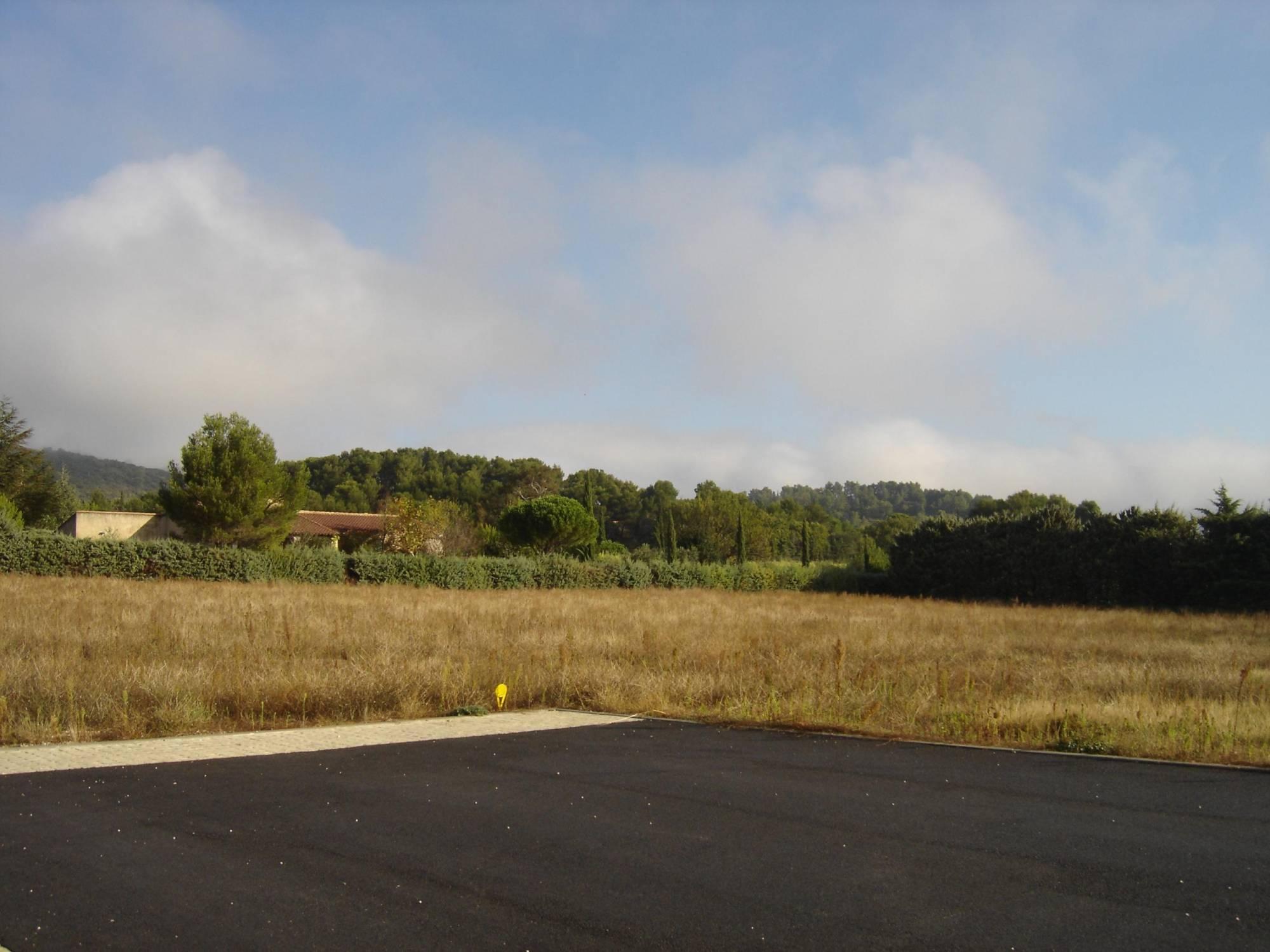 Lourmarin 84160 terrain vendre constructible 4 parcelles disponibles azur logement proven al - Terrain a vendre salon de provence ...