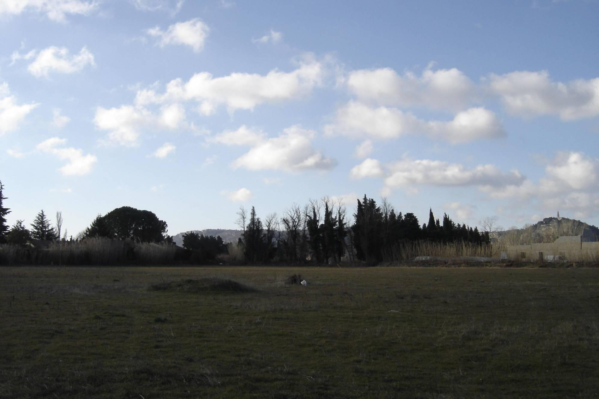 Cheval blanc 84460 vendre un terrain constructible de 600m2 proche commodit s azur logement - Terrain a vendre salon de provence ...